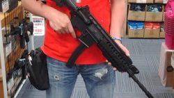 画像:投稿「M4にMP5のマガジンを取り付けるアタッチメント 入荷しました♡」のサムネイル画像
