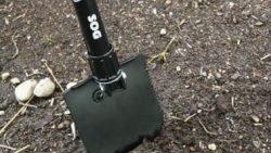 画像:投稿「ここ掘れワンワン🐩 3つ折りショベル♡」のサムネイル画像
