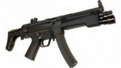 画像:投稿「取り付け加工済み、BOLT MP5J対応フラッシュライト付きハンドガード♡」のサムネイル画像